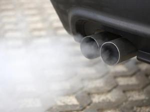 Cara Deteksi Kondisi Mesin Mobil Lewat Asap Knalpot
