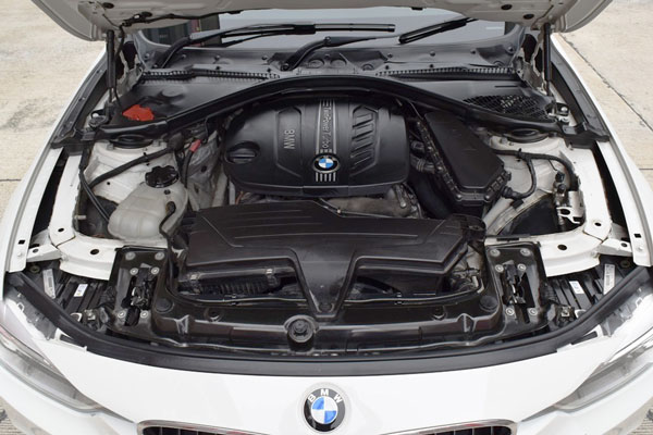 Review Spesifikasi BMW F30 Seri-3 2013-2018