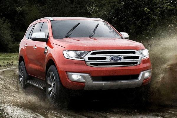 Perbedaan Ford Everest Trend dan Titanium
