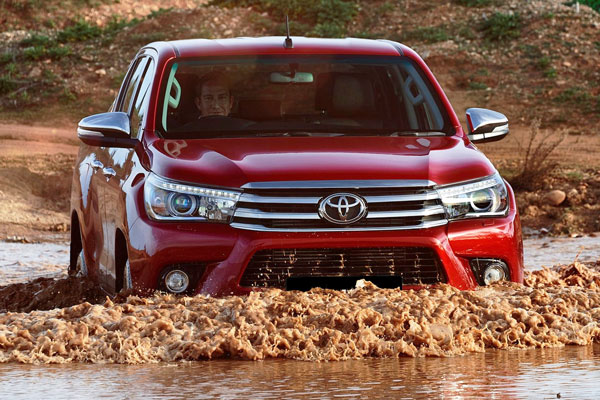 Kelebihan dan Kekurangan Toyota Hilux Gen 2