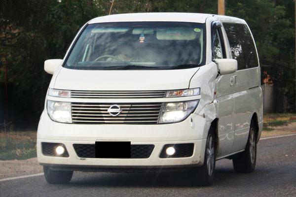 Kelebihan dan Kekurangan Nissan Elgrand E51