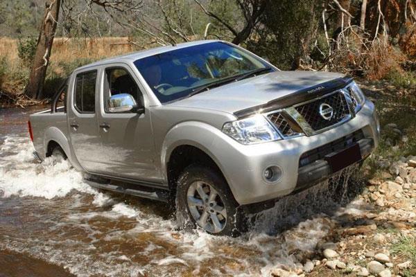 Kelebihan dan Kekurangan Nissan Navara Gen 2 D40
