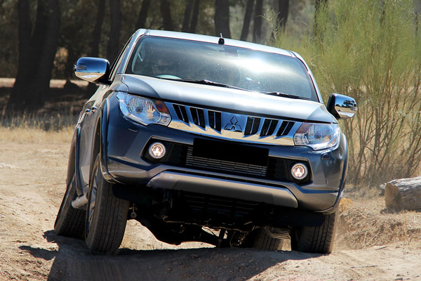 Kelebihan dan Kekurangan Mitsubishi Strada Gen 3 Triton