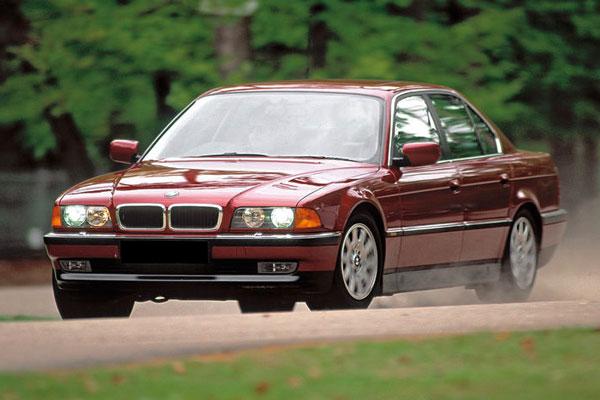 Kelebihan dan Kekurangan BMW E38 Seri-7 1994-2001