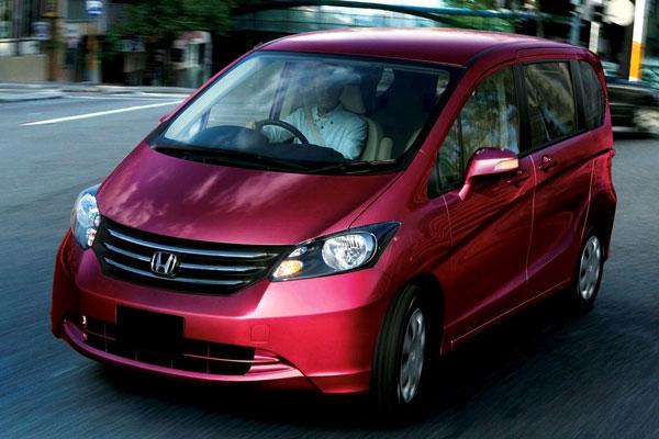 Kelebihan dan Kekurangan Honda Freed