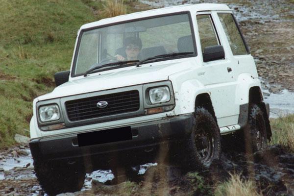 Kelebihan dan Kekurangan Daihatsu Feroza