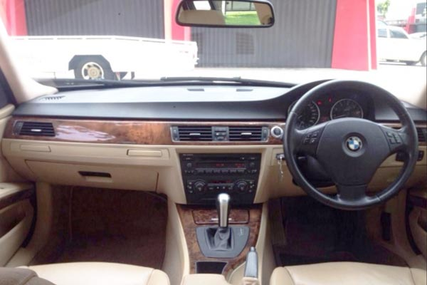 Review Spesifikasi BMW E90 Seri-3 2005-2011