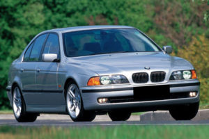 Review, Spesifikasi, Kelebihan dan Kekurangan BMW E39 1996-2003
