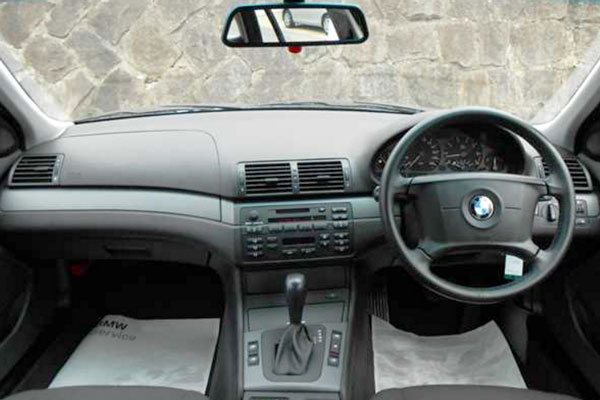 Review Spesifikasi BMW E46 1999-2005
