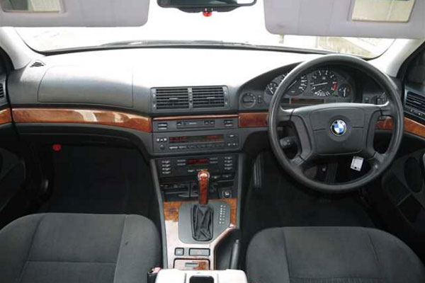 Review Spesifikasi BMW E39 Seri-5 1996-2004