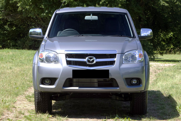Review Spesifikasi Mazda BT-50 Gen 1