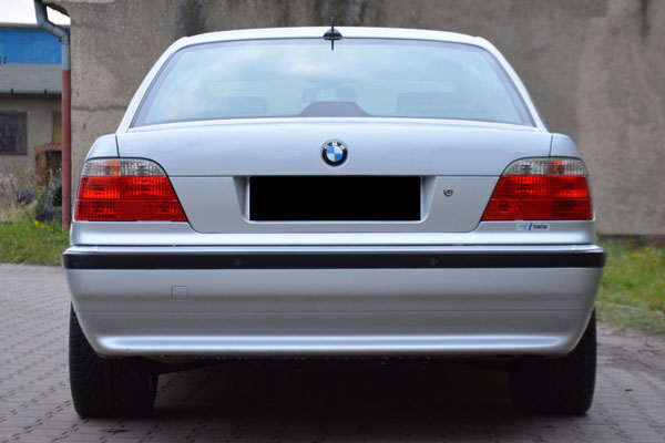 Review Spesifikasi BMW E38 Seri-7 1994-2001