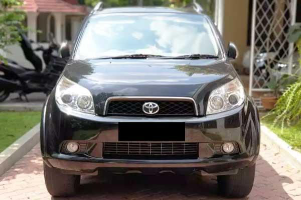 Review, Spesifikasi, Kelebihan dan Kekurangan Toyota Rush Gen 1