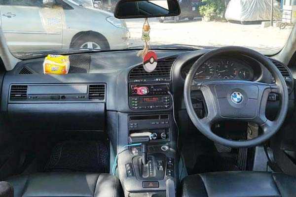 Review, Spesifikasi, Kelebihan dan Kekurangan BMW E36 Seri-3 92-98